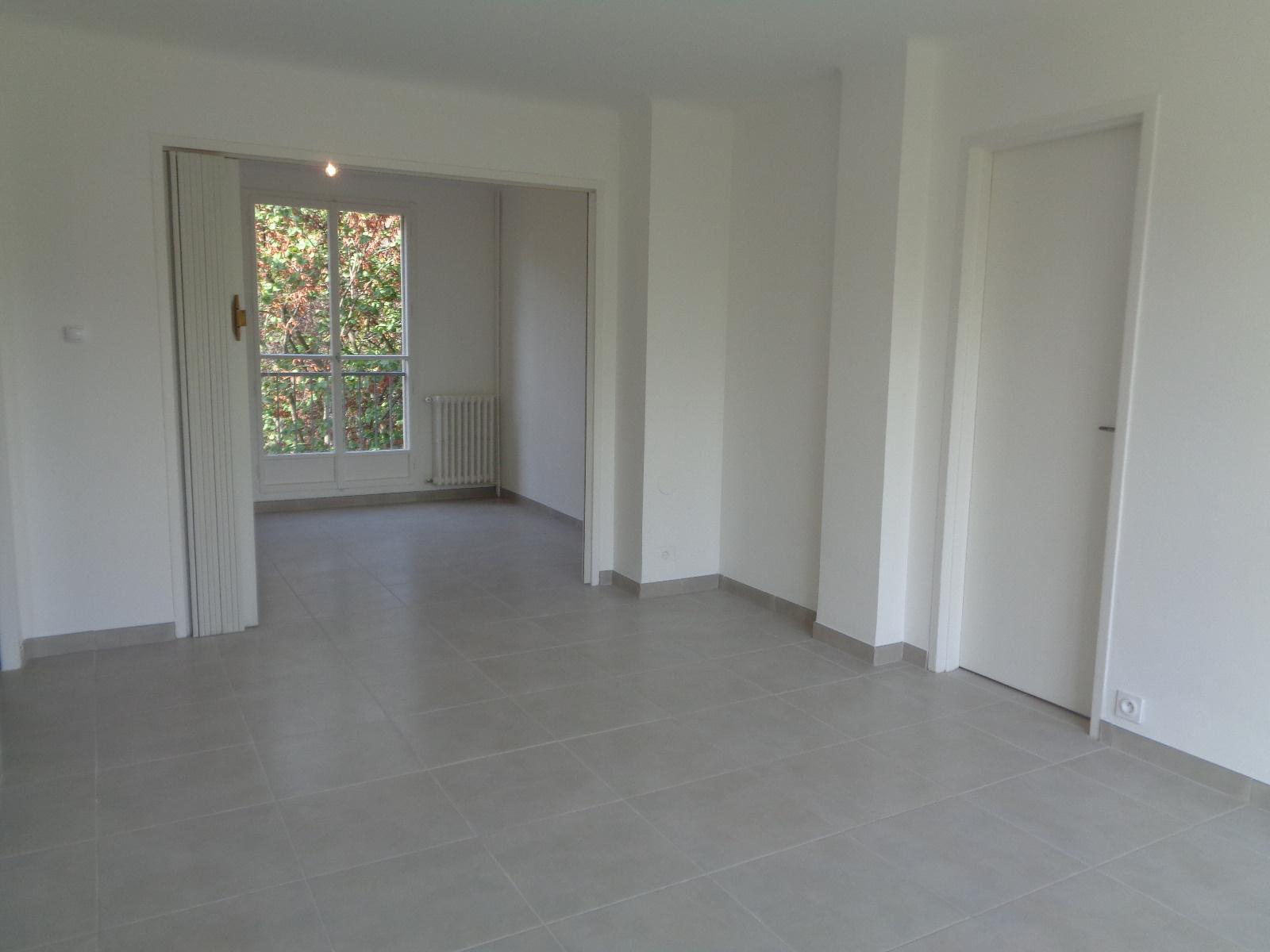 location appartement aix en provence location studio t2. Black Bedroom Furniture Sets. Home Design Ideas
