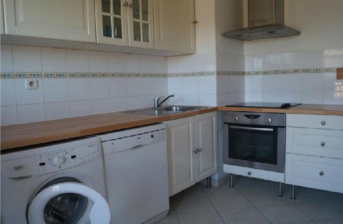 location appartement appartement semi meuble climatisation r versible centre ville. Black Bedroom Furniture Sets. Home Design Ideas